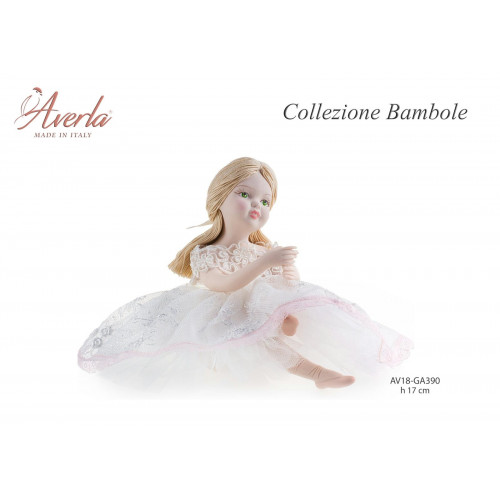 Ballerina con vestito in pizzo